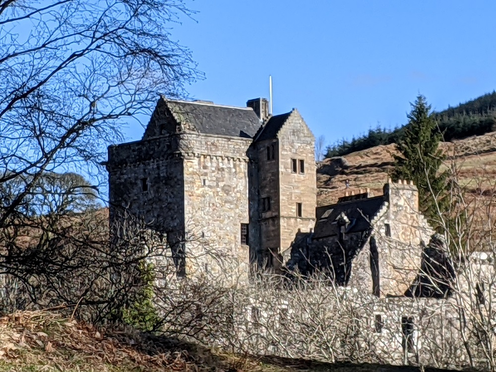 Castle Campbell, Dollar near Stirling